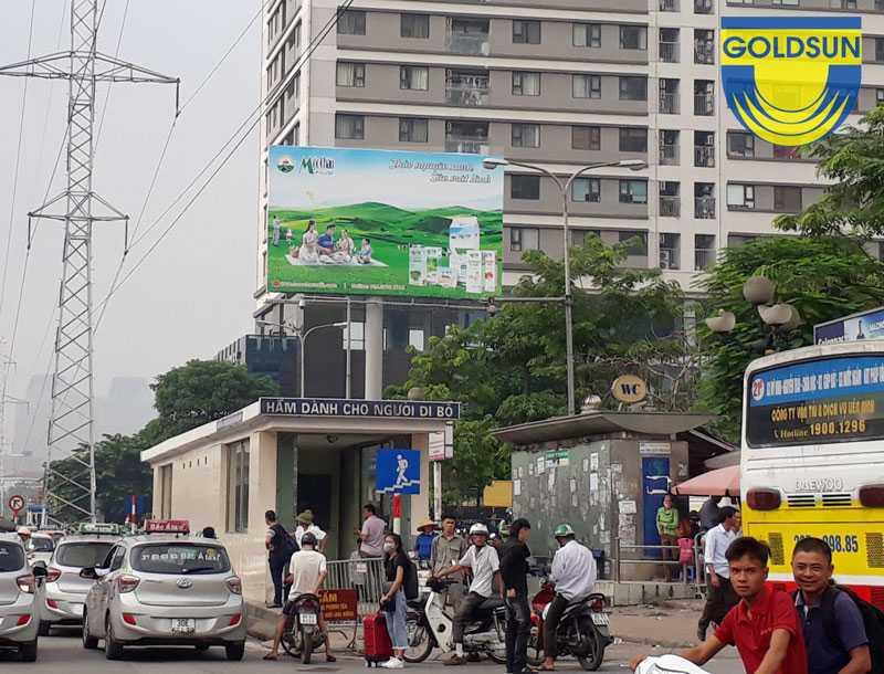 Biển quảng cáo sữa Mộc Châu tại Mỹ Đình