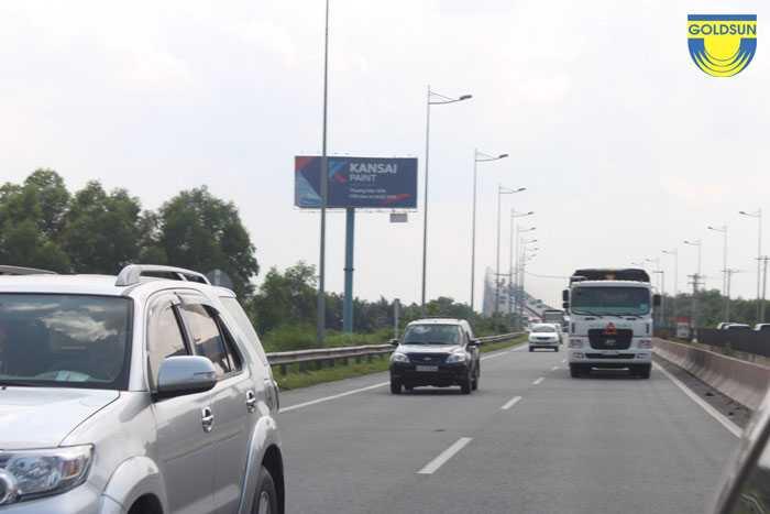 Biển quảng cáo thương hiệu Kansai trên cao tốc Long Thành - Đồng Nai