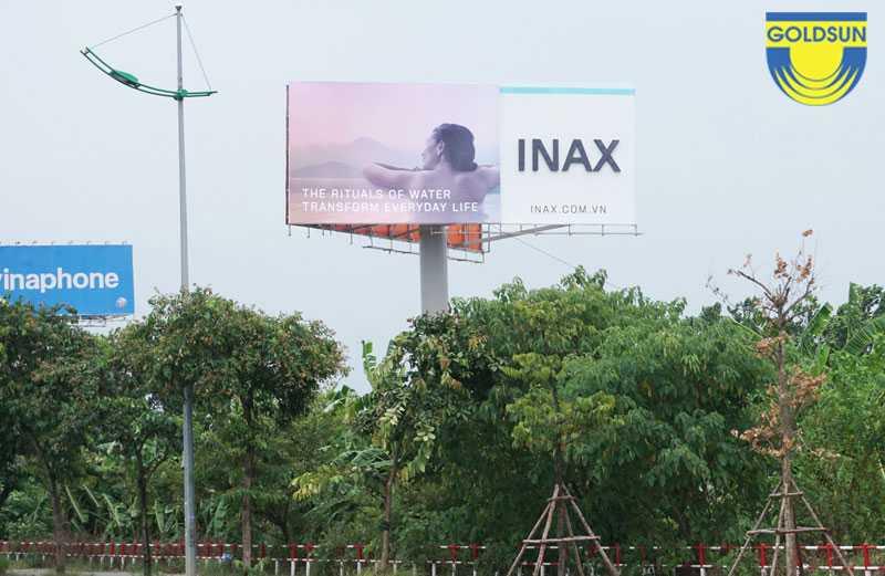 Biển quảng cáo một cột ngoài trời