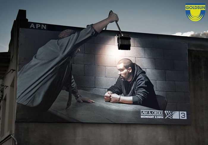 Biển quảng cáo ngoài trời ấn tượng của hãng luật Law & Order
