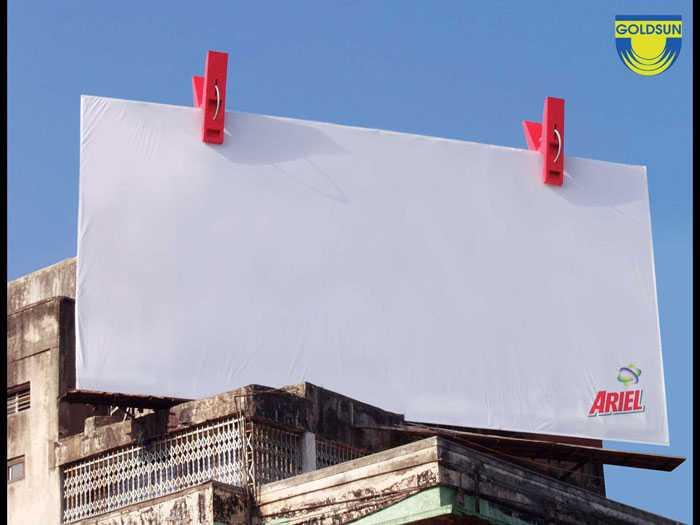 Biển quảng cáo ngoài trời ấn tượng của hãng bột giặt Ariel