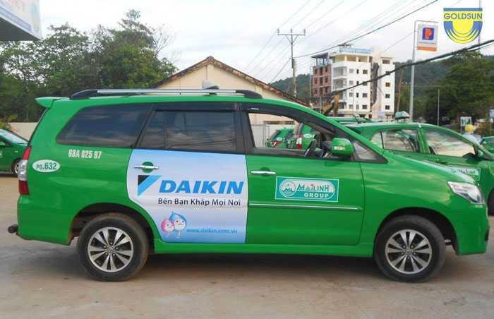 Hình ảnh quảng quảng cáo trên xe taxi Mai Linh