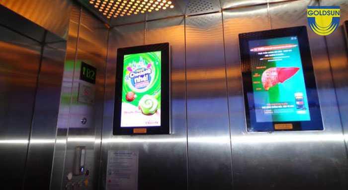 Quảng cáo tron thang máy với hình ảnh bắt mắt