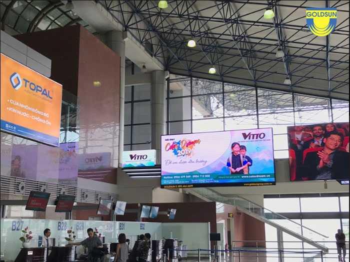 Quảng cáo màn hình tại sân bay của chương trình Vitto