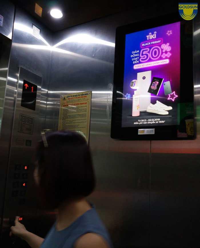 Quảng cáo màn hình led trong thang máy