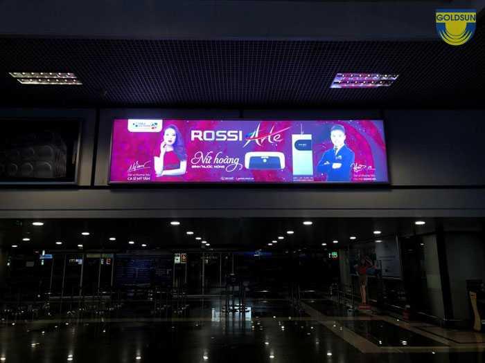 Hộp đèn trán tường của Rossi