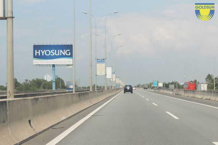 Biển quảng cáo trên cao tốc Long Thành - Dầu Giây mã vị trí SG60026