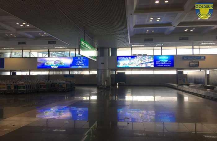 Hình ảnh thực tế hộp đèn trán tường tại sân bay Quốc tế Nội Bài