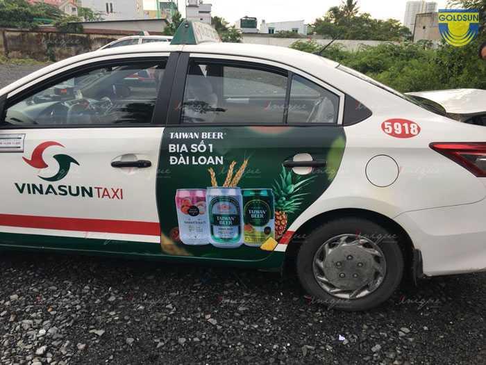 Quảng cáo bia trên taxi Vinasun