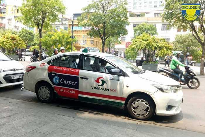 Quảng cáo trên taxi Vinasun của hãng điều hòa
