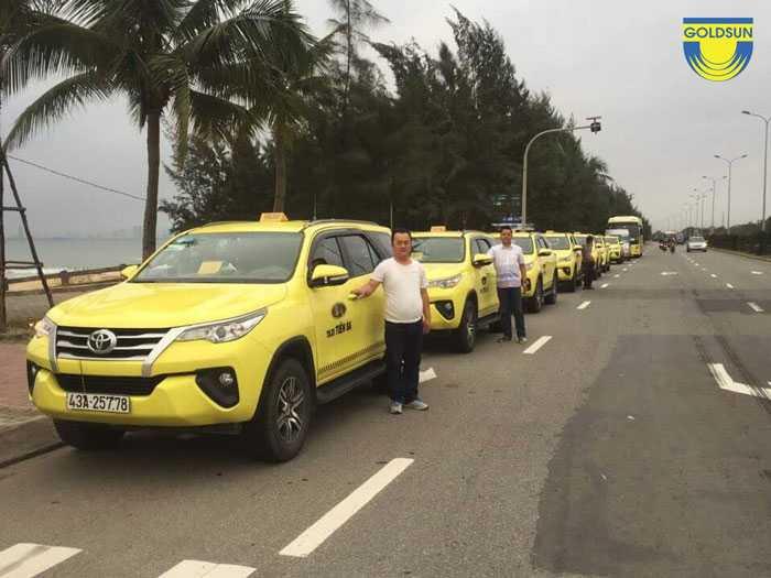 Quảng cáo taxi ngày càng mở rộng dịch vụ và quy mô hoạt động