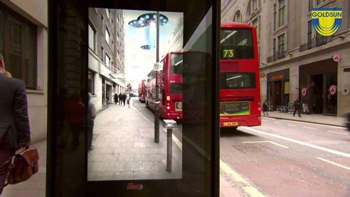 Biển quảng cáo trên đường phố