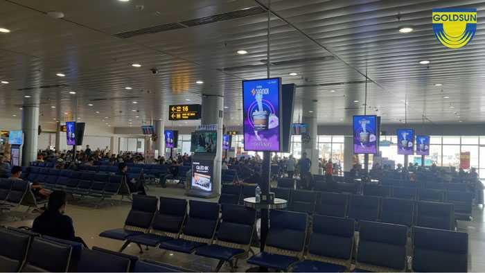 """Quảng cáo sân bay cho chiến dịch """"SỰ TRỖI DẬY CỦA RỒNG"""" của nhãn hàng Sơn Hà Nội"""