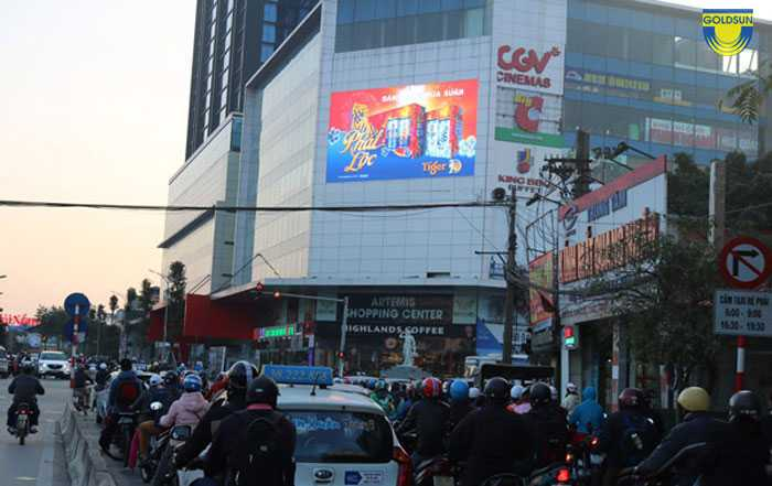 Quảng cáo bằng màn hình led ngoài trời của bia Tiger
