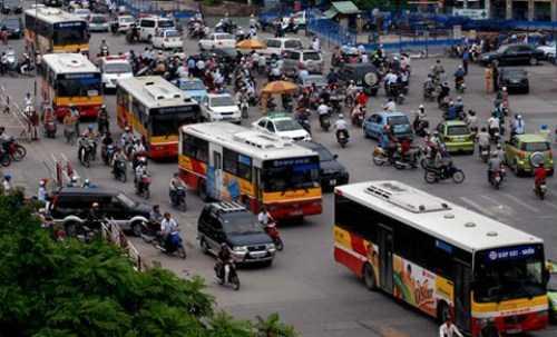 TP HCM thí điểm quảng cáo trên 156 xe buýt