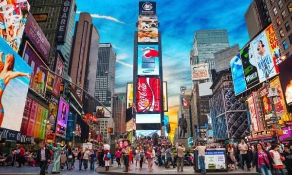 Đa dạng biển quảng cáo ở các trung tâm lớn trên thế giới