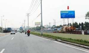 Quảng cáo biển tấm lớn tại xa lộ Hà Nội (vị trí 08 TĐ)