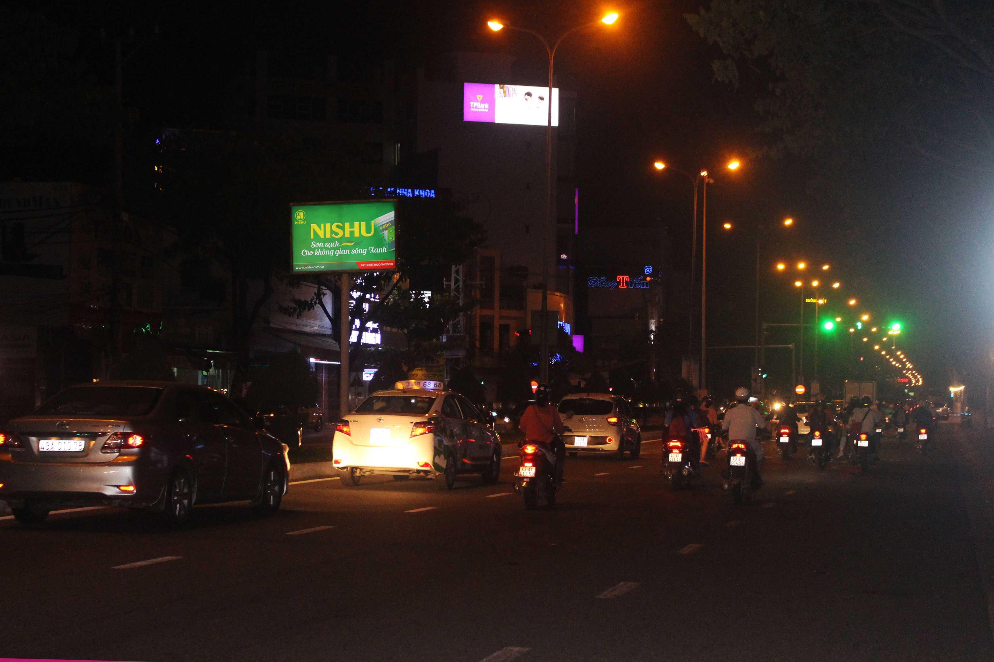 Quảng cáo Hộp đèn đường Nguyễn Hữu Thọ - Đà Nẵng - VT1 đến VT26