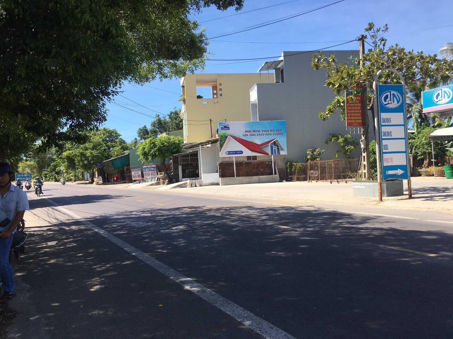 Quảng cáo CHXD Trường Úc, phường Nhơn Phú, Tp. Quy Nhơn, Bình Định - 1 biển trụ nhỏ