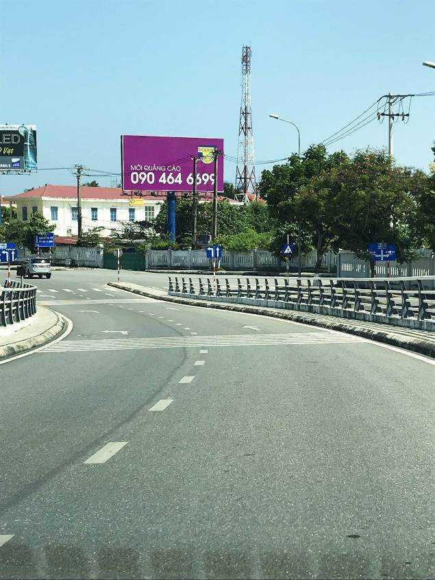 Pano quảng cáo S2 - Lối ra vào sân bay quốc tế Đà Nẵng, Đà Nẵng