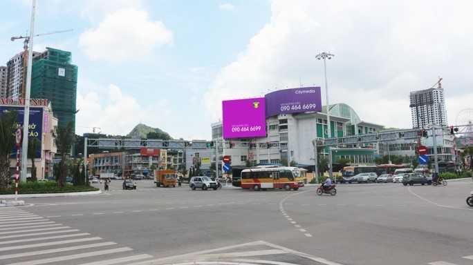 Quảng cáo VT3, chợ Hạ Long 2, Tp. Hạ Long, Quảng Ninh (Ngã tư Loong Tòng)
