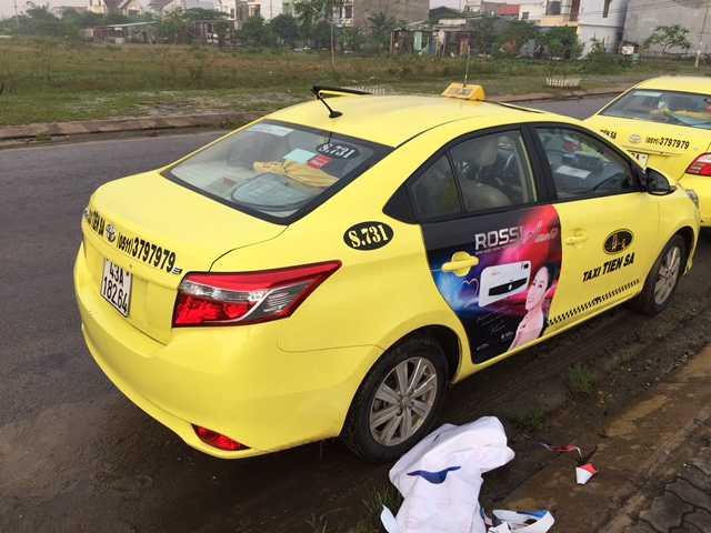 Quảng cáo trên xe Taxi toàn quốc