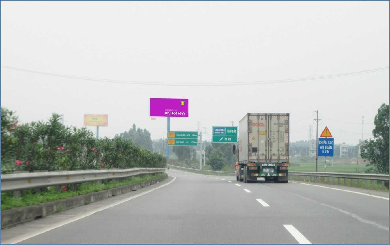 Quảng cáo HNLC 05, Km24 +650 Cao tốc Hà Nội – Lào Cai