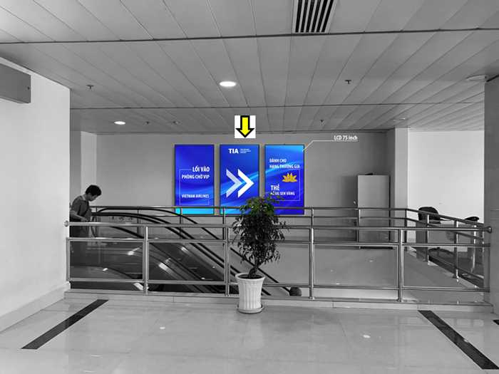 Quảng cáo Màn hình LCD Digital OOH trong sân bay