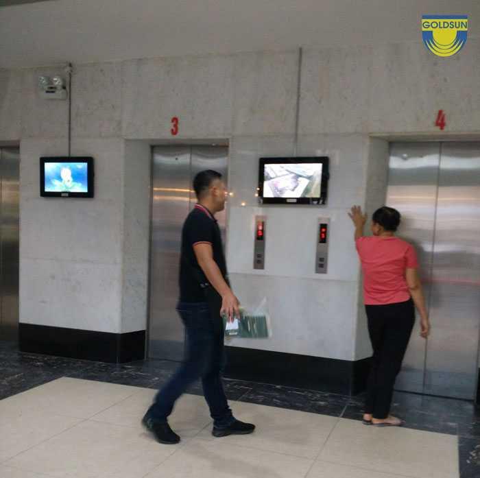 Quảng cáo màn hình led tại sảnh chờ thang máy