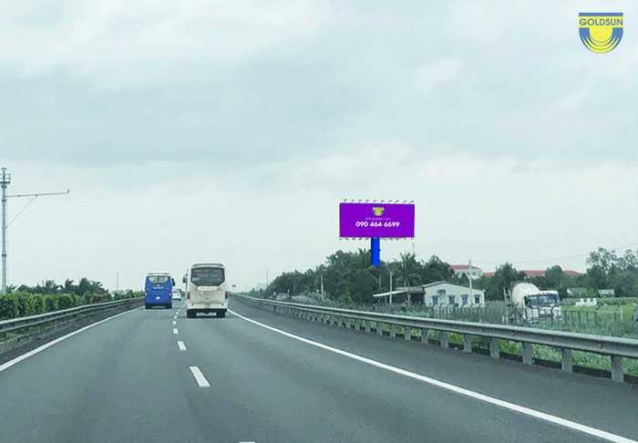 Biển quảng cáo trên cao tốc Sài Gòn - Trung Lương