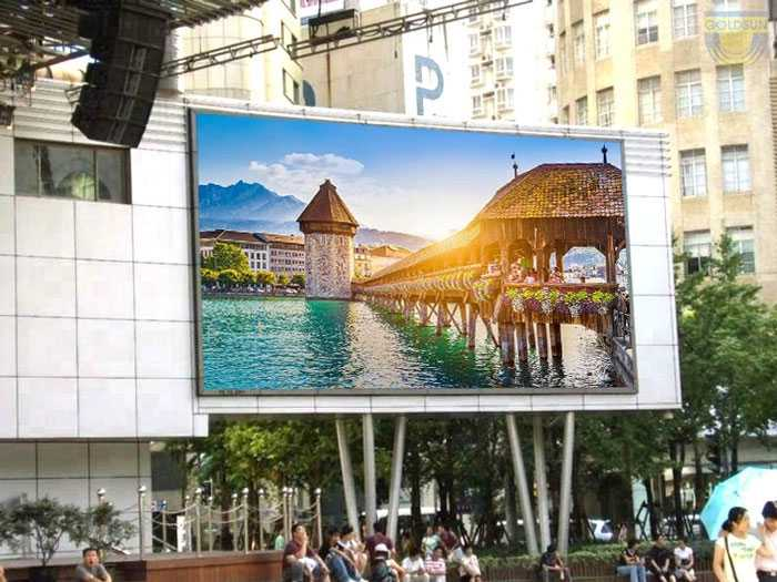 Outdoor Led TV advertising - 5 things you need to know