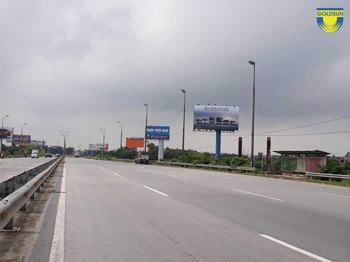 Biển quảng cáo trên cao tốc Nội Bài - Lào Cai