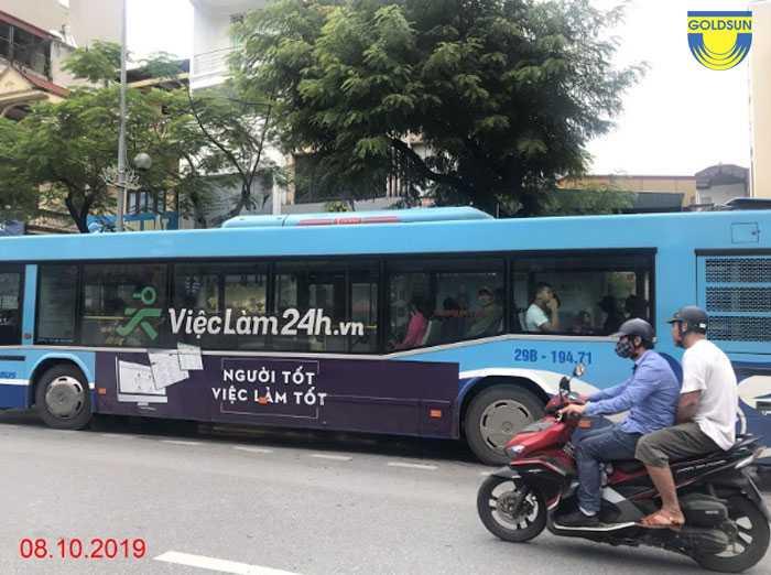 Quảng cáo trên xe bus Hà Nội
